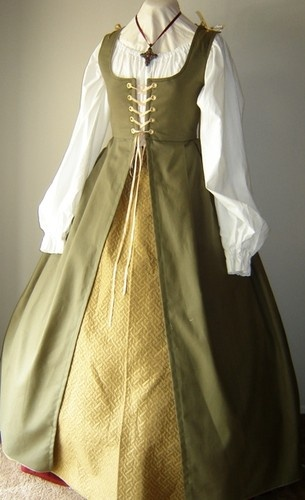 Renaissance Medieval Pirate Wench Irish Gown Dress Costume | eBay