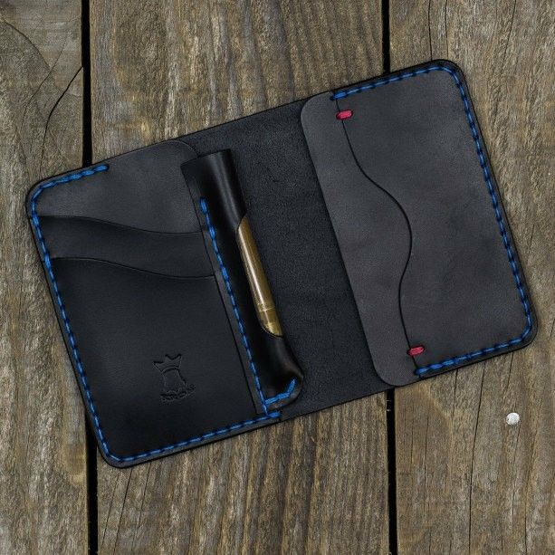 Do you want to fit your Fischer Space pen in this wallet? Ask us and we will get it done for free!