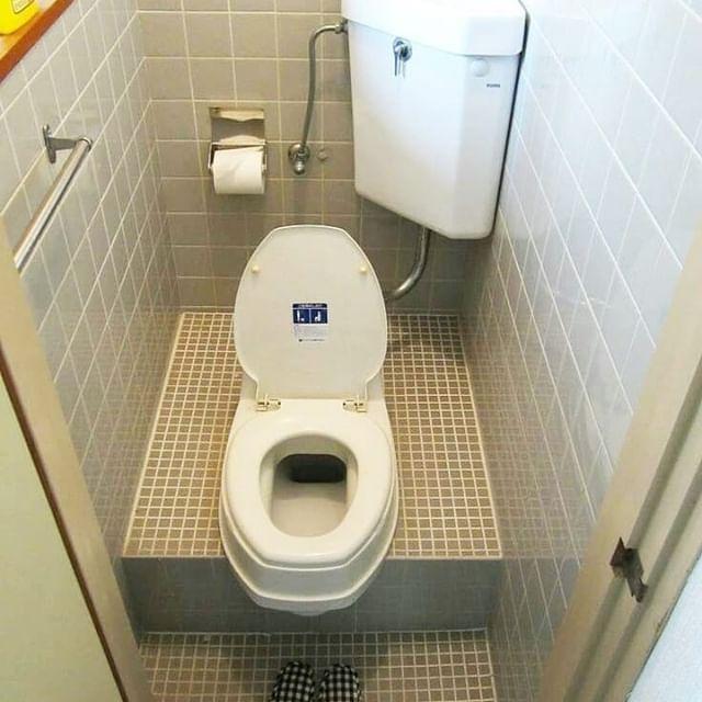 Jongkok Bisa Duduk Bisa Follow Untuk Inspirasi Lainnya Dekorasi Rumah Popul Toilet And Bathroom Design Bathroom Interior Design Bathroom Interior 1x1 minimalist bathroom squat toilet