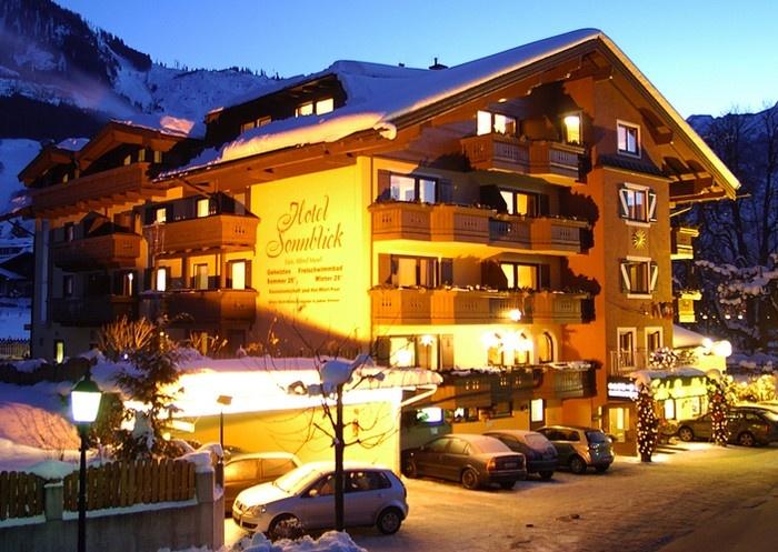 Hotel Sonnblick - Winter bei Nacht