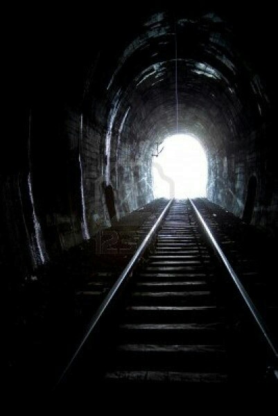 Just wondering why the dark tunnel seems so long.....its not a tunnel, just first time I have been on train when its dark!
