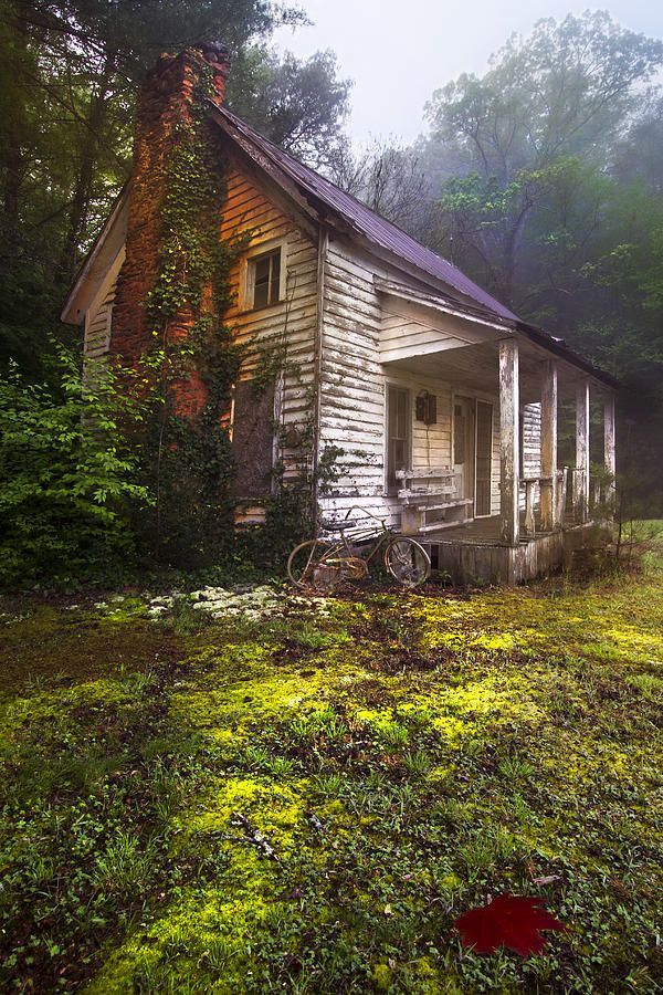 Old country cottage, Appalachian mountains of North Carolina.