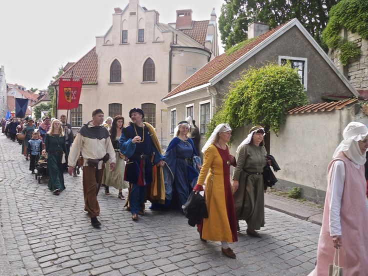 Gather ye Lords and Ladies fair, come with me to Visby's medieval fair! photo by Merry Folk #Medeltidsveckan http://www.medeltidsveckan.se/
