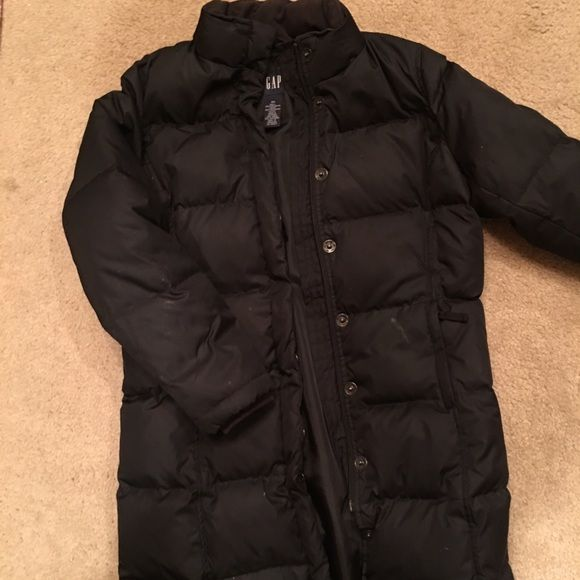 Gap XS women down & feather winter coat. GAP: Black down & feather size XS. Zips up and snaps for extra closure. Fully lined with built in cuff around your wrists for style and comfort. Worn twice. It's a little to small for me. Was $275. Will sale for $125 or best offer. ***Reduced price for quick sale today*** $105 GAP Jackets & Coats Puffers