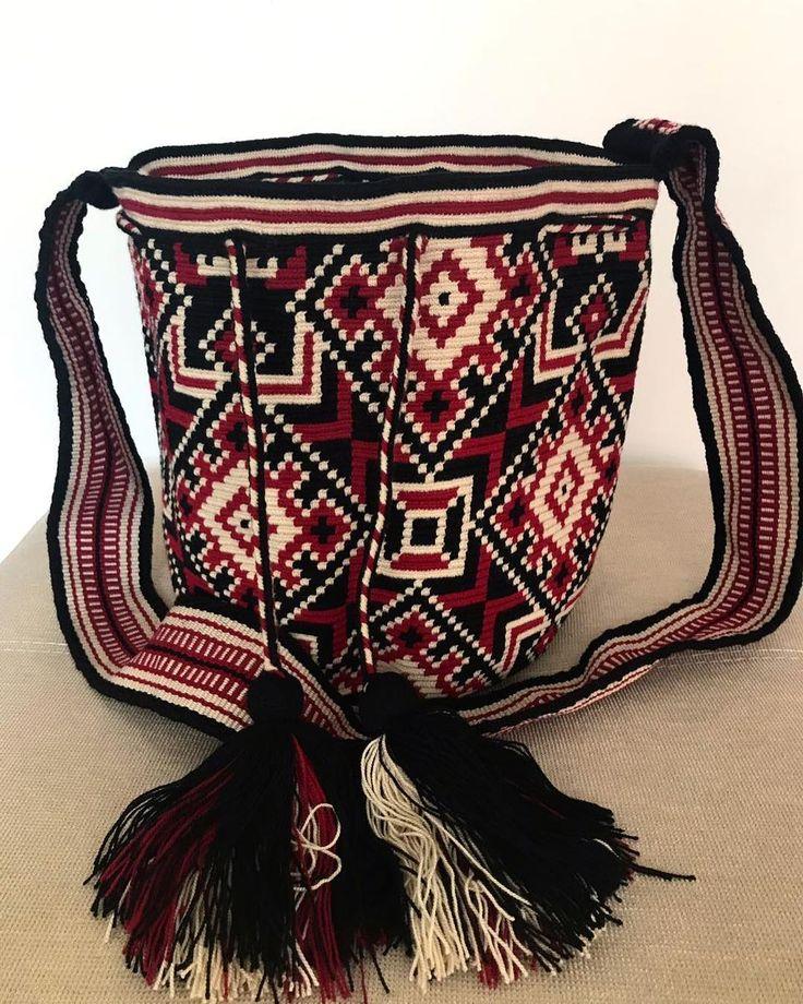 9 отметок «Нравится», 1 комментариев — Wayuu by ma (@wayuu_zi) в Instagram: « Wayuu style . #일상 #wayuu #wayuubags #wayuustyle #wayuubag #신상 #와유백 #칠라백 #모칠라 #맞팔 #소통 #선팔»