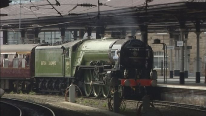 Restored steam train returns to Darlington | Tyne Tees - ITV News