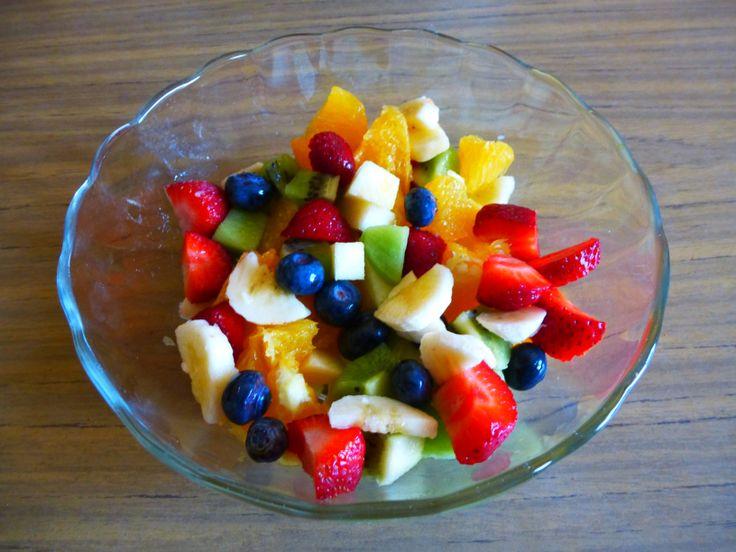 Raw Vegan Breakfast: FruitSalad