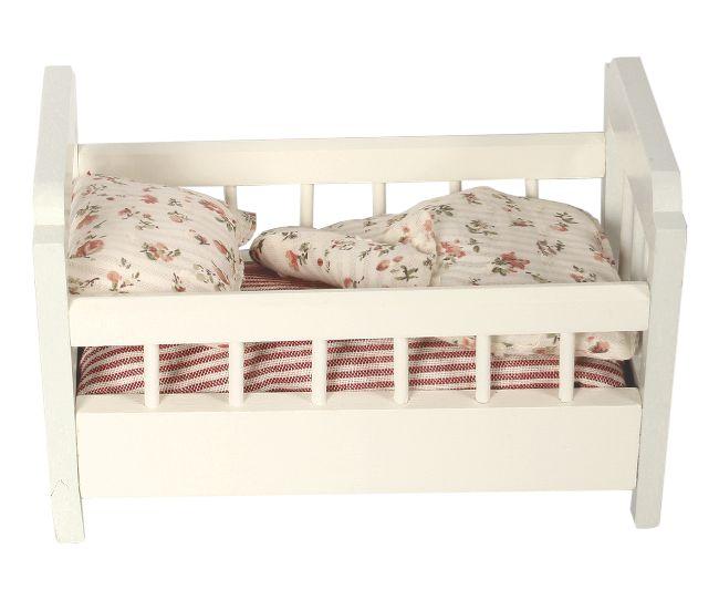 les 66 meilleures images du tableau lit miniature sur pinterest meubles de poup e miniatures. Black Bedroom Furniture Sets. Home Design Ideas