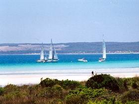Adagio Bed and Breakfast, Apartments, Island Beach, SA  http://www.ozehols.com.au/holiday-accommodation/south-australia/kangaroo-island  #KangarooIsland #IslandVacations