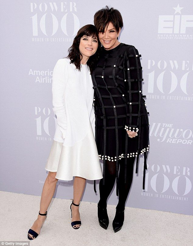 See the resemblance? She could be seen posing alongside Selma Blair, who is portraying her in the upcoming seriesAmerican Crime Story: The People v. O.J. Simpson, which kicks off on February 2