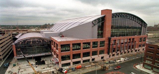 Le Banker Life Fieldhouse d'Indiana, la construction silencieuse