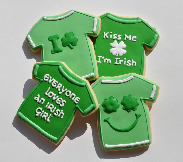 Fun idea using the T-shirt cookie cutter to make St. Patrick's Day Shirt Cookies! http://www.annclarkcookiecutters.com/product/t-shirt-cookie-cutter