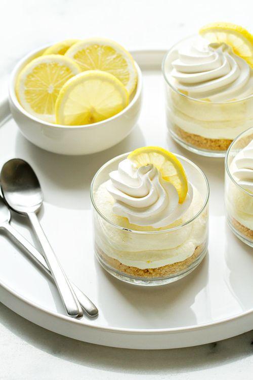 Cheesecake cu biscuiti si crema de lamaie