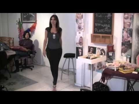 Cómo caminar con tacones y verse sexy- Anastassia Sfeir - YouTube