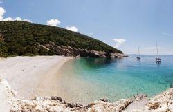 Lubenice - plaža Sv. Ivan, cres,  valun