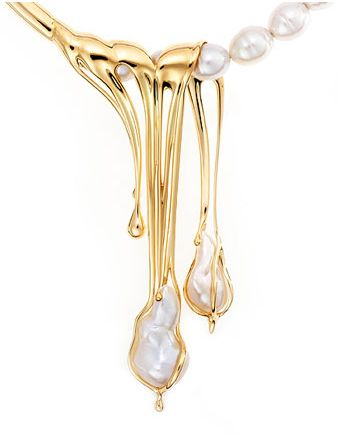 'Liquid Love' was the finalist in the 'Pearl Design Award' category at the Jewellery Association of Australia (JAA) Awards in 2008. Handcrafted in 18 carat yellow gold South Sea pearls on the strand.