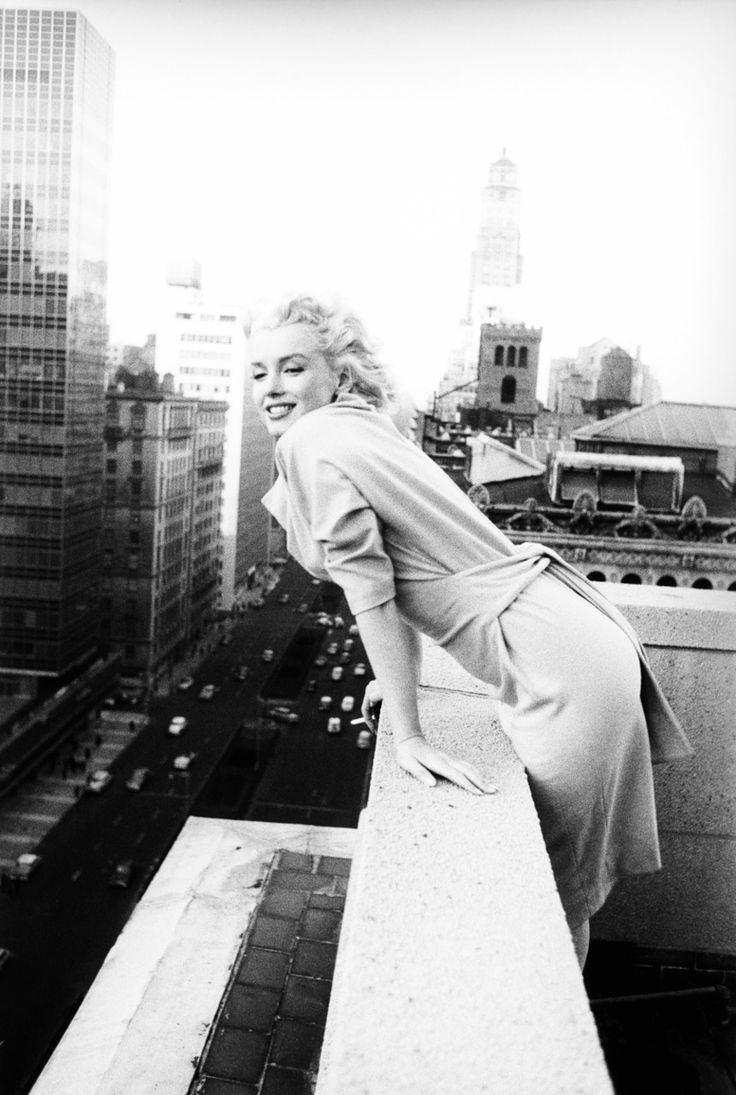 Marilyn Monroe in New York City by Ed Feingersh (1955)