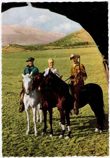 Götz George, Elke Sommer, Stewart Granger, Unter Geiern   Flickr - Photo Sharing!