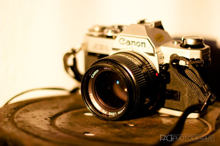 Old Camera by CANON AE1  #pagicreativeorganizer #pagiphotography #pagi #productphotography #canon