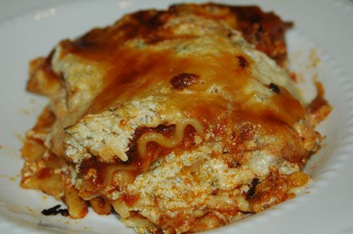 This Easy Lasagna Recipe is homemade, simple and quick to make. People have told me it's the best Lasagna recipe they have ever tried.