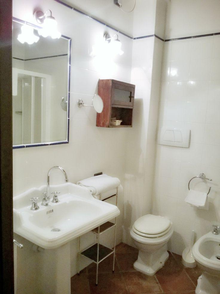 I nostri bagni con ceramiche Old England. Our bathrooms with Old England forniture. http://www.montecorneo.com/