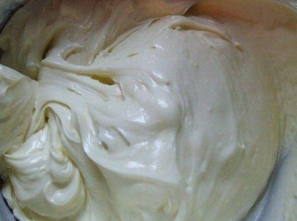 8 tipp egyszerű és édes krémek, sütemény- és tortatöltelékek elkészítéséhez. Sárgakrém, vajkrém, édes sűrített tejből készült krém...