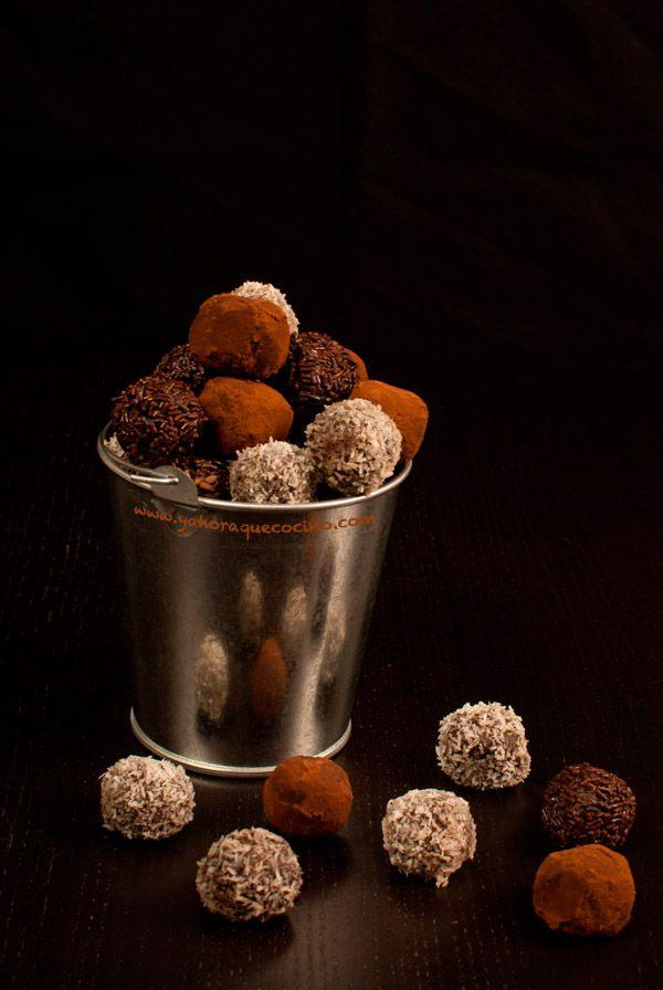 Trufas de Chocolate Sin Gluten y Sin Lactosa, totalmente caseras y listas en menos de 30 minutos, más lo que tarden en enfriarse en la nevera.