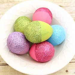 Put a new twist on an old favorite with these Glitter Dipped Easter Eggs!