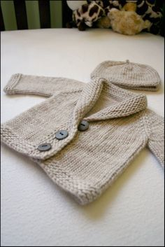 Baby Sophisticate pattern by Linden Down (free pattern on Ravelry)