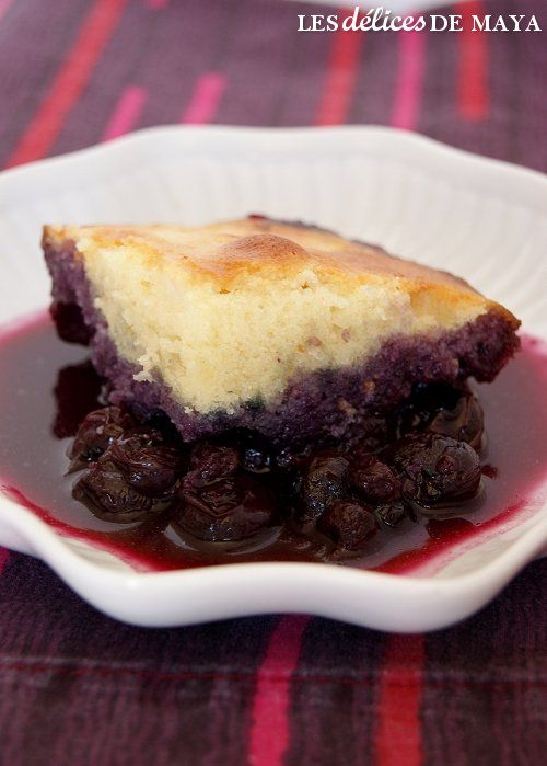 Quoi faire quand on a beaucoup de bleuets congelés? Un bon pouding bien sûr. J'ai trouvé ce beau dessert chez Blanc-manger . Tout comme el...