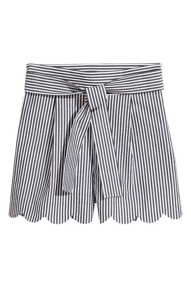 Shorts with scalloped hems - White/Striped - Ladies | H&M