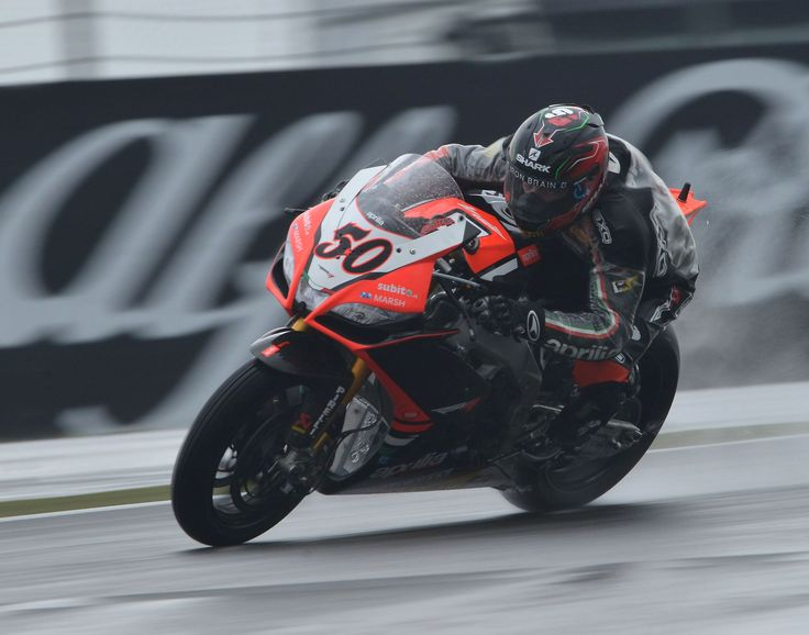 #Superpole The #Aprilia Racing riders struggle to find the right feeling in a wet superpole. Sylvain #Guintoli will start from the third row and Eugene #Laverty from the fourth.
