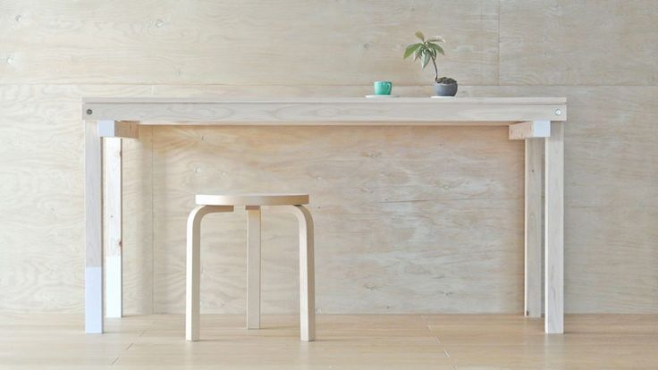 Simple flat-pack table by SPEAC