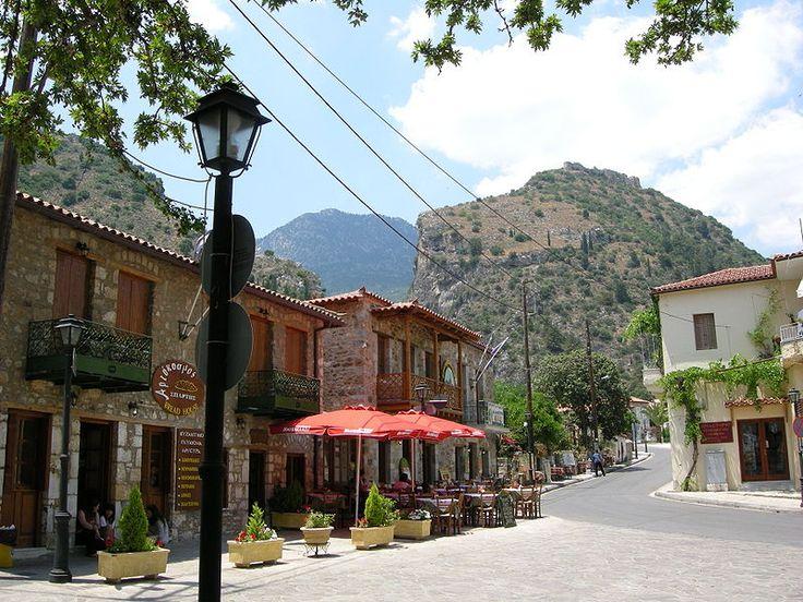 GREECE CHANNEL | Street in the town of #Mystras, #Greece http://www.greece-channel.com/