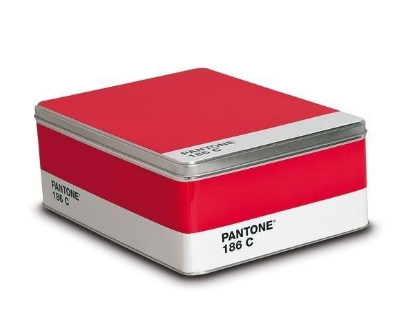 Boite Pantone 186C chez Deco And Me (15€ ; 30x22x11cm)