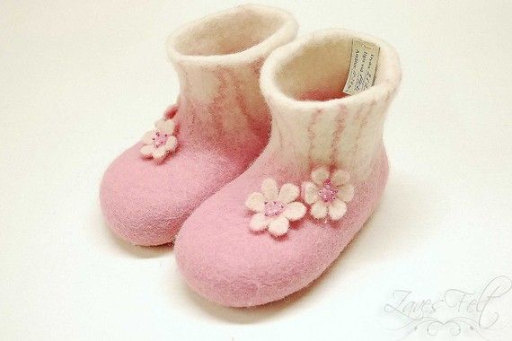 Handfelted slippers/ home shoes with flowers for girls HANDMADE TO ORDER