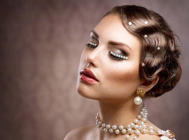 Acconciature per invitati matrimonio: capelli lunghi o corti fai da te