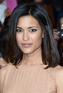 Julia Jones (born January 23, 1981) is an American actress best known for playing Leah Clearwater in The Twilight Saga films based on the Twilight series by Stephenie Meyer.