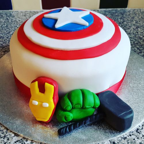 Marvel Avengers Birthday Cake  http://www.kizzyandizzy.com/2015/11/18/%EF%BB%BF%EF%BB%BFthis-week-9-15-november/