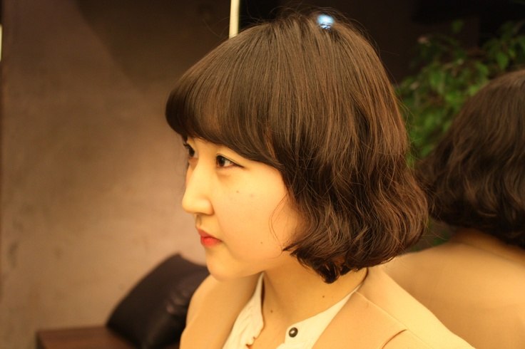 귀여운 헤어스타일 !   짧은단발 웨이브 스타일~ 뮤사이에서만 느낄 수있는 뮤사이 디자이너 성현의 자연스러운 단발웨이브!