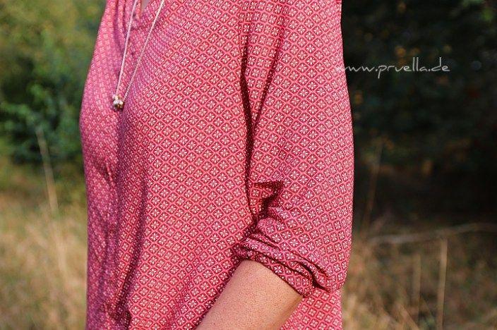 Genau wie Streifen und Kleider gehen Blusen immer. Und bei mir ist das Bluse bellah. Leichte, feine Stoffe machen diese Bluse immer tragbar. Drei Schulterfalten sorgen für einen schönen Fall und ob…
