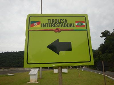Tirolesa Interestadual no limite de Estado entre Rio Grande do Sul e  Santa Catarina. Vale do Rio Uruguai. Chapecó.