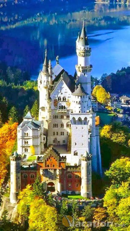 Il castello di Neuschwanstein, Germany. Ha ispirato il castello bianco delle Terre di Arret.  www.terrediarret.it