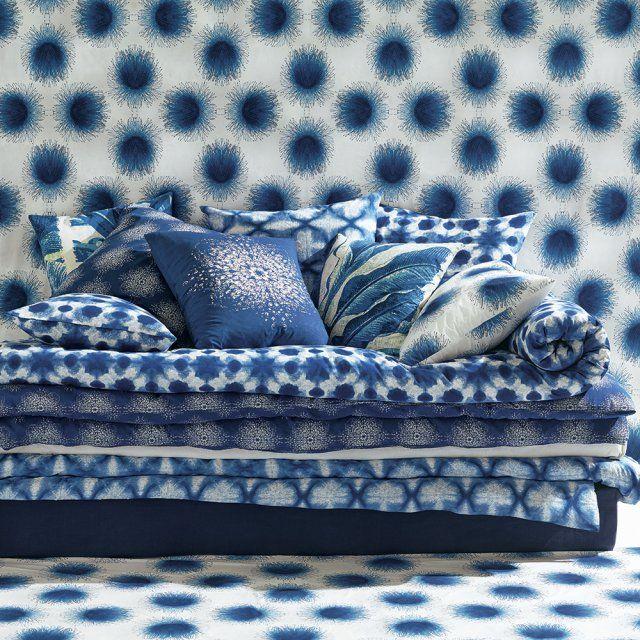 Les 25 meilleures id es de la cat gorie coussins pour banc for Canape bleu indigo