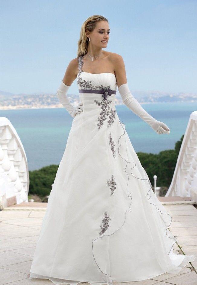 42 best Bruidsjurken images on Pinterest   Short wedding gowns ...