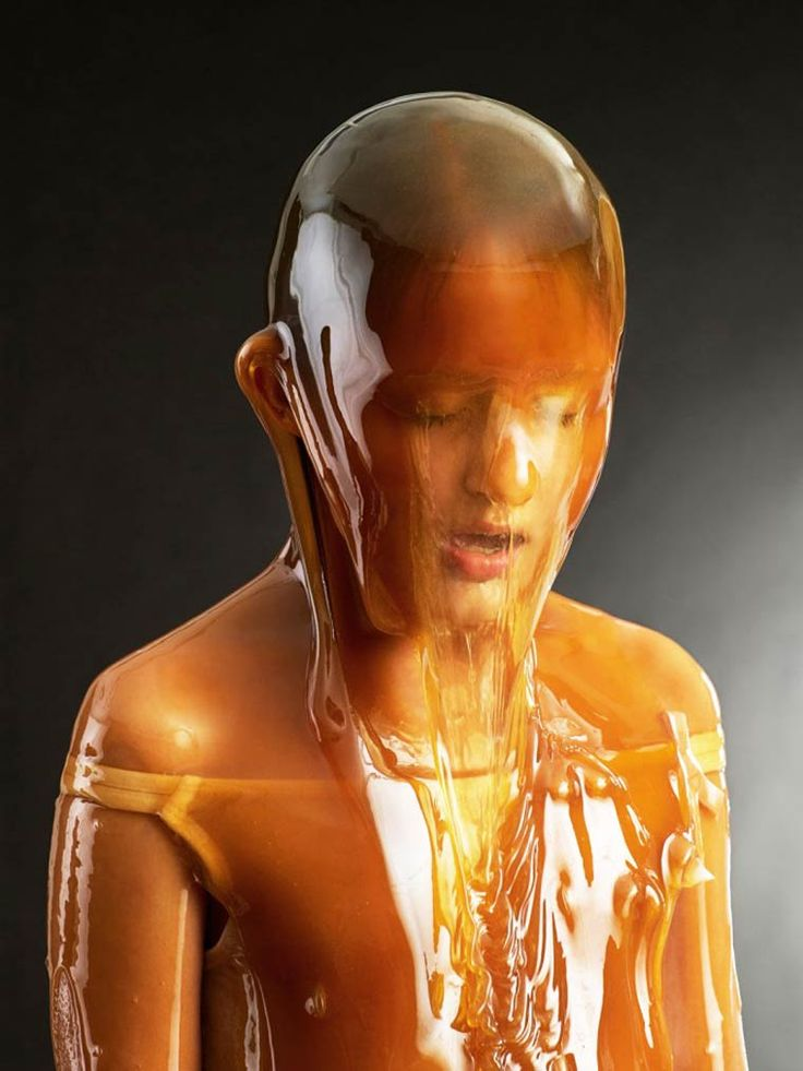 Top 14 des portraits de gens couverts de miel immortalisés par le photographe Blake Little