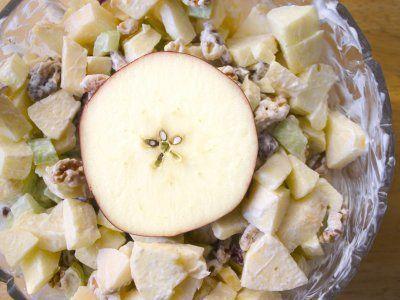 Receta de Ensalada Navideña de Manzana con Piña y Nuez