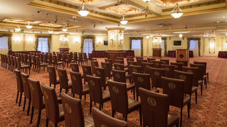Casino Opera školné usporiadanie
