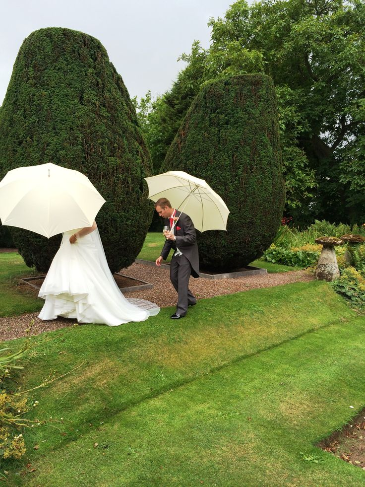 A rain shower is no problem with a Campervan Wedding umbrella