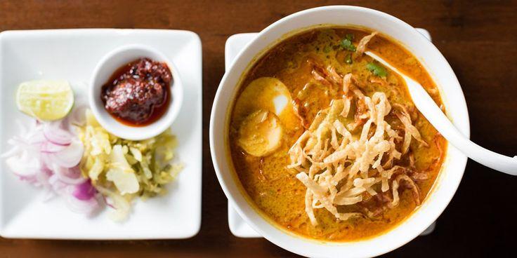 Κοτόσουπα με noodles και σος σόγιας